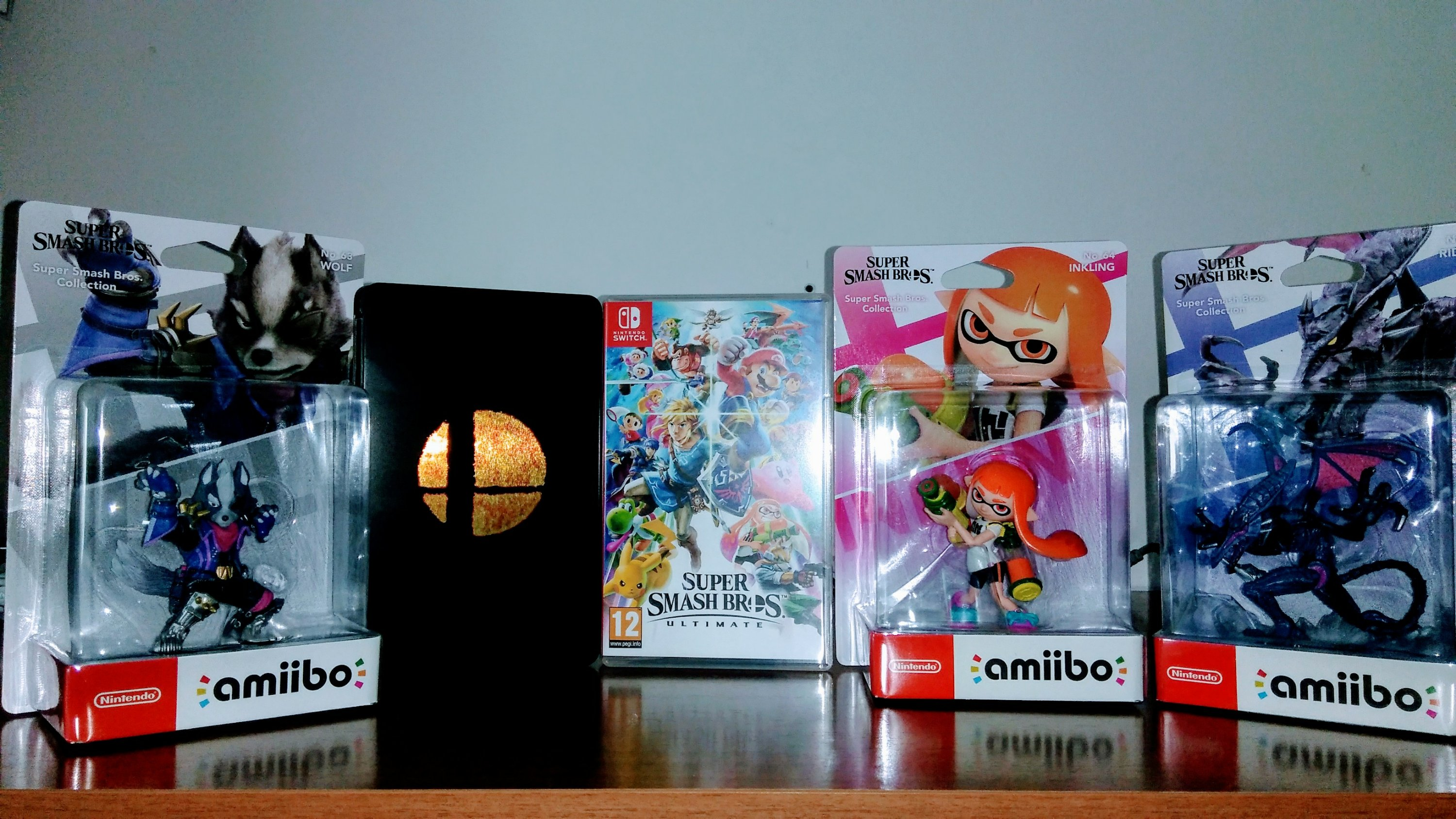Super Smash Bros Ultimate + amiibo Unboxing